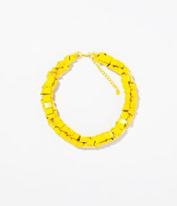 19.95€ : Le jaune est tendance, on l'a vu lors des nombreux défilés de la Fashion Week Parisienne.